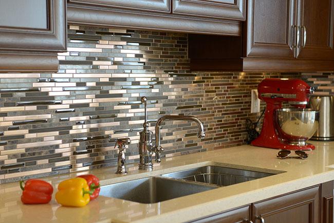 Adding a Splash of Color with Your Backsplash Tile